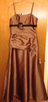 Ball Gown size 14 in Fort Drum, New York