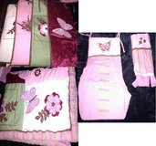 GIRL'S BEDDING SET & DIAPER STACKER in Vacaville, California