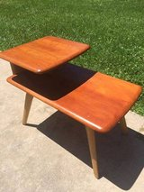 End Tables in Sandwich, Illinois