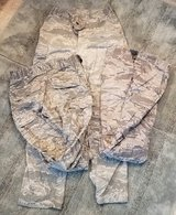 USAF UTILITY TROUSER CAMOUFLAGE QTY 3 SIZE 30R EXCELLENT CONDITION in Travis AFB, California