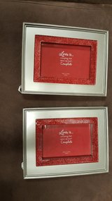 Picture frame set red glittery in Shorewood, Illinois