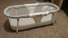 Travel Bassinet, Summer in bookoo, US