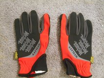 Mechanix Utility Gloves Red/Gray/Black new without tags (LARGE) in Ramstein, Germany