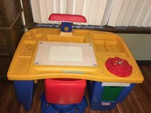 Little tikes kids desk/art table with chair in Moody AFB, Georgia