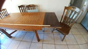 PRICE CUT:  Ranch Oak expandable dining room table with chairs in Alamogordo, New Mexico