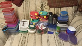 Tupperware Glade Rubbermaid lot food storage containers in Elgin, Illinois