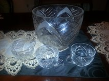 Mid Century Crystal Punch bowl set, with 12 matching cups - Weddings/Events/Church never used in Fort Rucker, Alabama