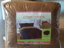 Comforter (Reversible) in Norfolk, Virginia