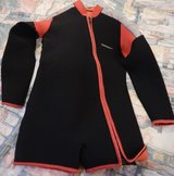 Henderson Wet suit Shorty Large 3m in Okinawa, Japan