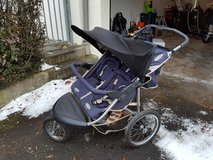 double j. stroller InStep Safari in Stuttgart, GE