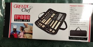 Grill tool set NEW NEVER USED in Camp Pendleton, California