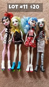 Monster High Dolls Lot #11 in Chicago, Illinois