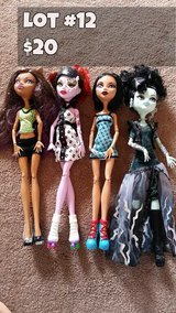 Monster High Dolls Lot #12 in Chicago, Illinois