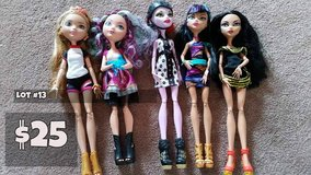 Monster High Dolls Lot #13 in Chicago, Illinois