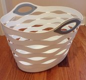 Baby/Toddler Flex'n Carry Basket/Laundry hamper in Byron, Georgia