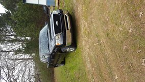 08 f150xlt crew cab very  clean truck in Shreveport, Louisiana