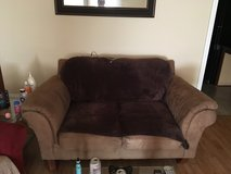 Love Seat Couch (PENDING TO SELL) in Columbus, Georgia