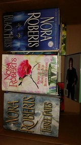 Lot of 25 Nora Roberts Hardbound Books in 29 Palms, California