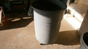 55 gallon Rubbermaid trash can in Lockport, Illinois