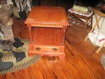 TV stand/ end table in Fort Leonard Wood, Missouri