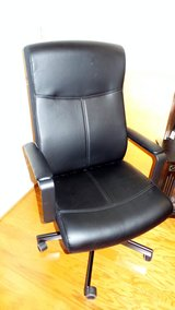 Black Office rolling chair. in Bolling AFB, DC