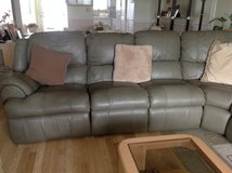Leather 3 piece sectional in Saint Petersburg, Florida