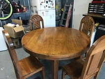 Kitchen Table & Chairs in Vacaville, California