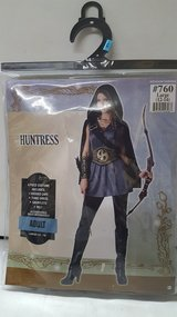 Huntress Adúlt Costume Large (12-14) in Spring, Texas