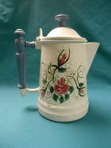 Decorative Painted Teapot in Algonquin, Illinois