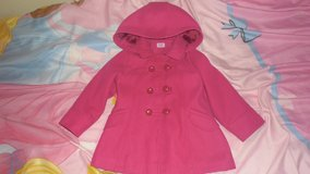age 2-3 girls coat in Lakenheath, UK