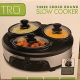 3 crock pot slower cooker in Chicago, Illinois