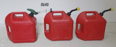 3x red plastic gasoline cans in Ansbach, Germany