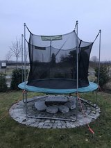 305cm/120'' - Trampoline with safety net, used in Wiesbaden, GE