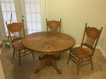 Amish Hand Crafted Dining Table and Chairs in Hinesville, Georgia