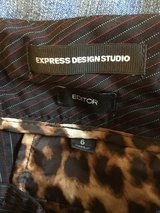 Express Dress Pants 6 in Perry, Georgia