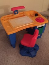 Little Tykes Desk. in Aurora, Illinois