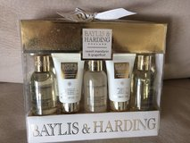 Baylis & Harding Mandarin and Grapefruit gift set -brand new in 29 Palms, California