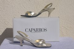 Women's CAPARROS Dress Shoes Size 6 in 29 Palms, California
