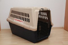 Dog Kennel - Crate in Ramstein, Germany