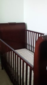 LIKE NEW CRIB with NEW MATTRESS AND CHANGING STATION INCLUDED!!! in bookoo, US