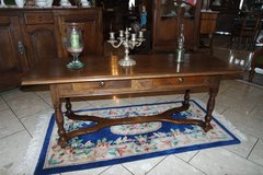 beautiful oak coffee table with 2 drawers in Baumholder, GE