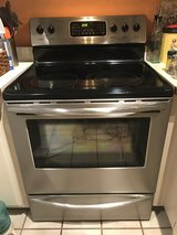 Frigidaire electric Stove in Vacaville, California