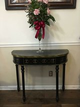 Entry way Table in Hinesville, Georgia