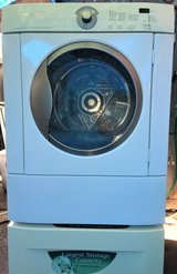 Frigidaire FRONT LOADER ( Gas ) DRYER With DRAWER Pedestal - in Oceanside, California