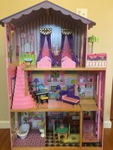 KidKraft My Dream Mansion Wooden Dollhouse with Gliding Elevator 13 Wooden Accessories/ Furniture in Glendale Heights, Illinois