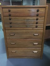 Dresser set in Morris, Illinois