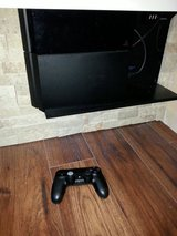 PS4 500gb w/Controller and cables in good condition $190 in Travis AFB, California