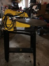 Dewalt 20 inch scroll saw with table and light in Morris, Illinois