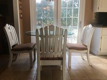 Kitchen table set with 4 chairs in Glendale Heights, Illinois