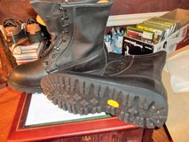 WOLVERINE STEEL TOED  BLACK BOOTS  13W  NEW in Perry, Georgia